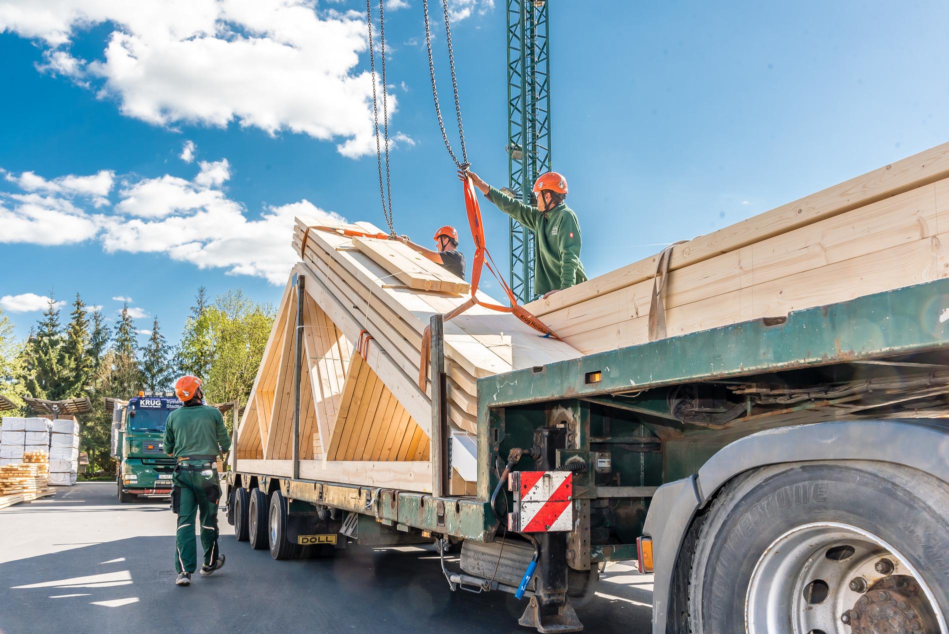 Fachwerkbinder auf LKW